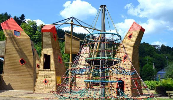 Ontdek Houtopia, een ontdekkings- en bewustmakingspark voor kinderrechten in Houffalize