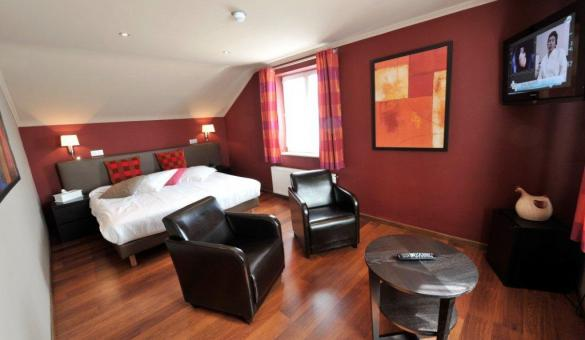 Comfortable double room at Le Charme de la Semois, a hotel in Alle-sur-Semois in the Ardenne