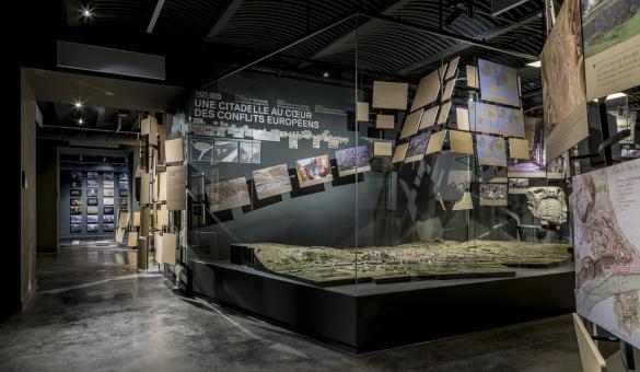 Découvrez le Centre de Visiteurs Terra Nova à Namur et retracez 2000 ans d'histoire urbaine et militaire européenne au travers de l'histoire de la ville et de sa citadelle