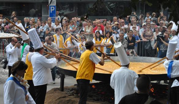 Omelette géante à Malmedy, une tradition à ne pas manquer