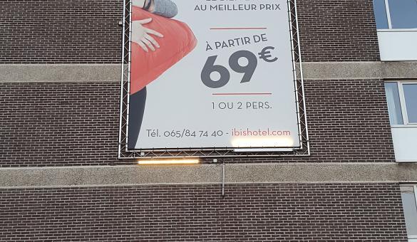 Ibis Mons Centre Gare façade