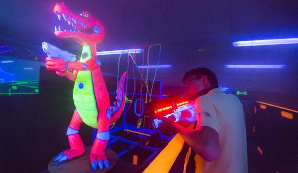 attraction laser game au parc du crocodile rouge