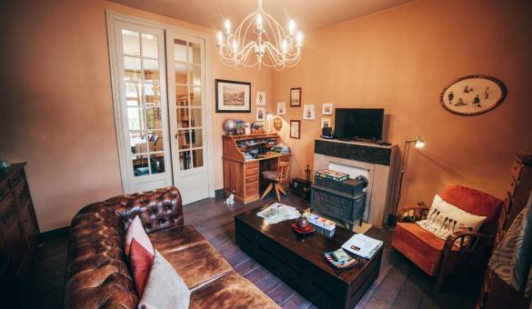 Le salon de la maison d'hôtes Au Plaisir à Hastière-Par-Delà