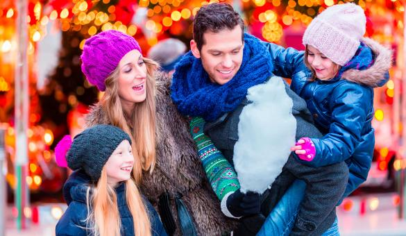 Marché de Noël - Noël - achat - amis - amour - bonheur - fête - cadeau - crèche - hivers - sapins