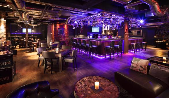 Bar et réception du pentahotel Liège
