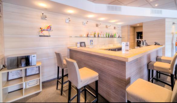 Le bar de l'Hotel & Aparthotel Casteau Resort Mons