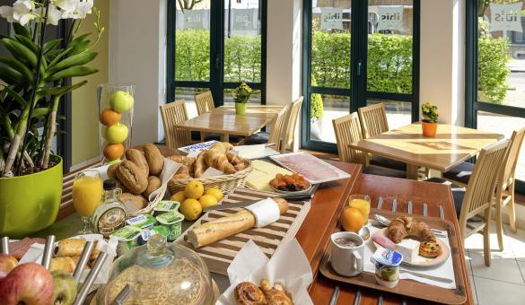 Dinant - Hôtel IBIS - déjeuner - restaurant
