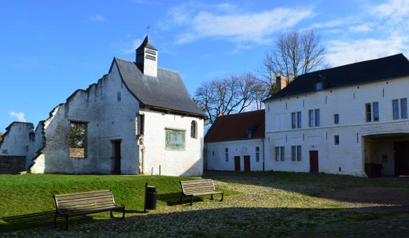 Vue sur le jardin de la Ferme de Hougoumont à Waterloo