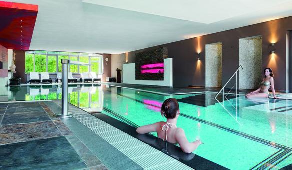 Découvrez la piscine du Bütgenbacher-Hof - Relais du Silence