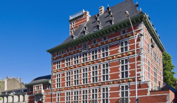 Liège - Grand Curtius - façade - ciel bleu