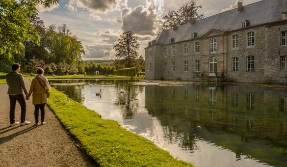 Take a stroll through the gardens of the castle of Annevoie