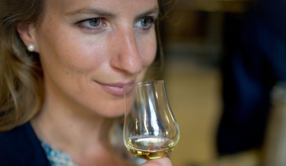 Discover the Owl Distillery with Grâce-Hollogne