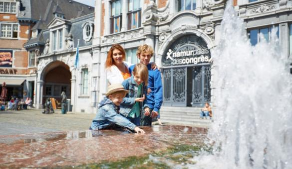 Discover the Place d'Armes in the centre of Namur