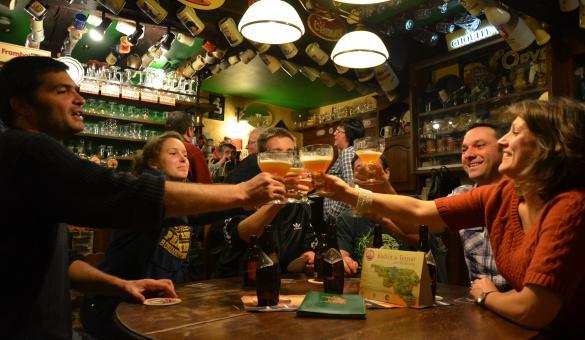 La Wallonie gourmande c'est aussi la dégustation entre amis des bières de chez nous.