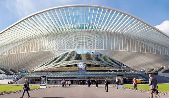 Gare de Liège-Guillemins dessinée par l'architecte catalan Santiago Calatrava