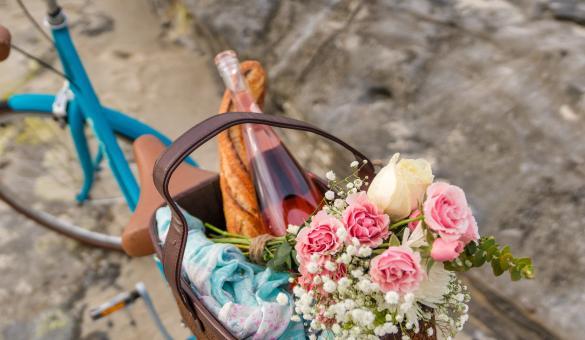 Balade - nature - Pique-nique - vélo - pain - vin
