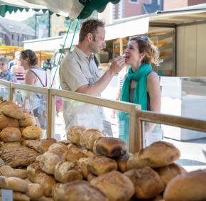 venez découvrir les produits du marché de Huy, dans la province de Liège