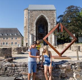 Stavelot - Ancienne tour - église - Abbatiale