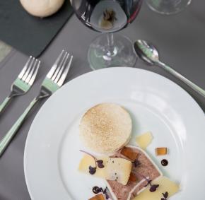 Spa - Restaurant - Cour - Reine-Entree