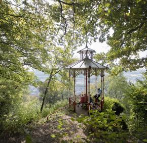 Malmedy - randonée - famille - bâton de marche - bois - panorama - kiosque