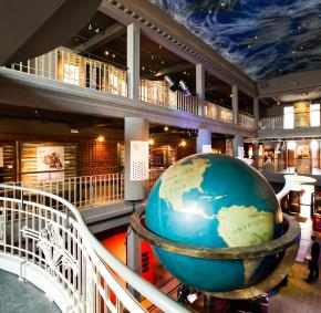 Venez découvrir tous les savoirs du monde rassemblés au Mundaneum à Mons