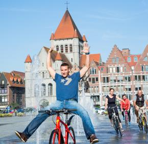 Tournai - Grand-Place - vélo - sport - détente