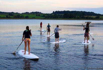 Espace Fun - Eau d'Heure - activités nautiques - kayak - canoë - planche à voile - bateaux à voile - stand-up paddle