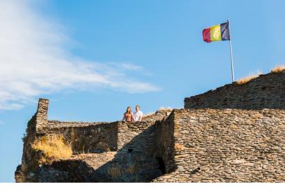 Venez visiter le Château Féodal de La Roche-en-Ardenne datant du IX