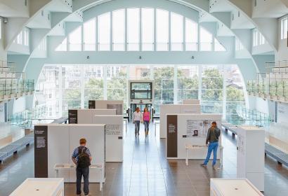 Liège - Cité Miroir - espace culturel - incontournable - anciens bassins - Sauvenière - expositions - spectacles