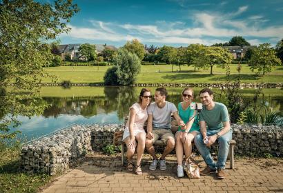 Lac - Louvain-la-neuve - amis - été - détente - paysage - nature