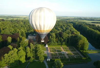Parc d'Enghien - cité médiévale - Ducs d'Arenberg - Patrimoine Majeur de Wallonie - montgolfière