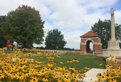 Commonwealth - War - Grave - Cemetery -Hotton