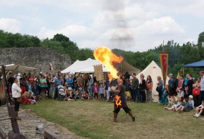 Fête des Fous château de Moha médiéval