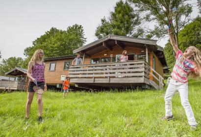 Chalets avec terrasse du village de vacances Landal Les Etoiles à Blaimont
