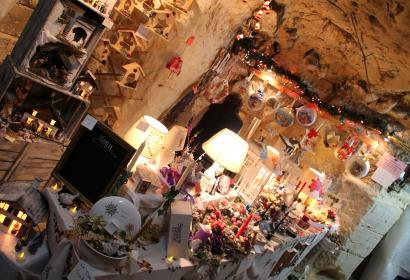 An artisanal Christmas market in the Caves of Wonck