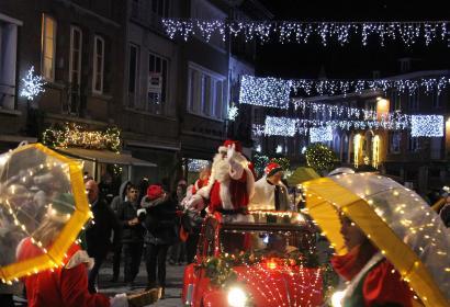 Balades des lumières avec le père Noël à Tournai
