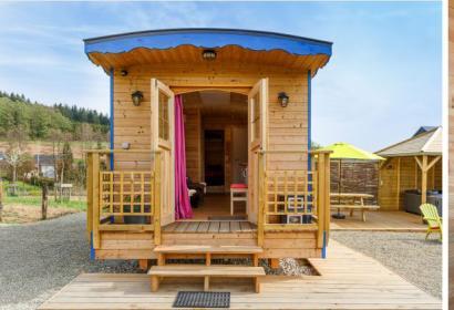 La Roulotte - vacances insolites - Grand-Halleux - Vielsalm - 2 à 3 personnes - province du Luxembourg - jacuzzi extérieur - détente - relaxation
