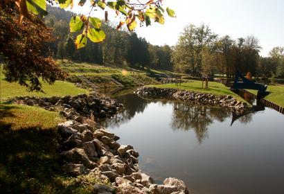 Jardins d'O de Nismes, visite écologique en barques électriques
