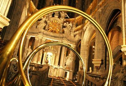 Saint-Hubert - cor de chasse et intérieur de la basilique Saint-Pierre