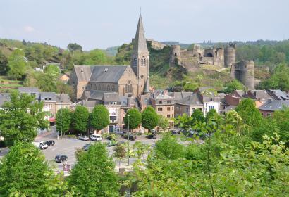 Entdecken Sie die Burgruine von La Roche-en-Ardenne in der Provinz Luxemburg