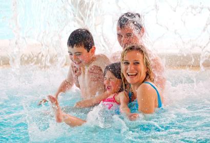 Profitez d'un moment de détente et d'amusement dans le parc aquatique Aqualibi à Wavre