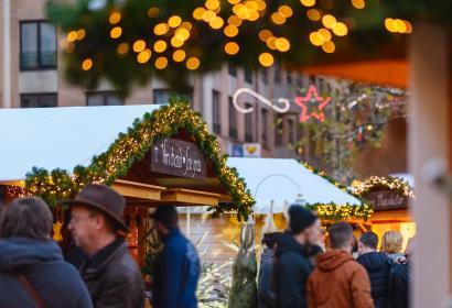 Vin chaud al Mercatino di Natale di Louvain-la-Neuve