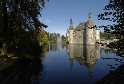 Ontdek het Kasteel van Jehay, een mooi voorbeeld van Maasrenaissance