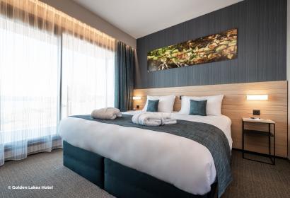 golden lakes Hotel lacs eau d'heure, une chambre