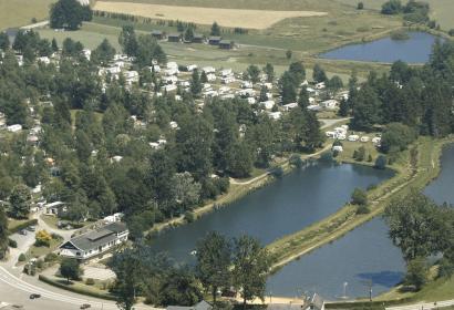 Camping en Wallonie - camp - campement - bivouac - aire touristique - nature - lac de Cherapont