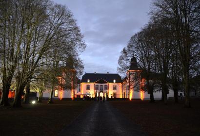Le Château de Deulin illuminé en soirée