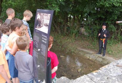 Promenade - découverte - histoire - culture - Treignes - lavoir - Wallonie Terre d'eau