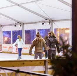 Come and enjoy the ice-skating rink in Namur's Christmas Market